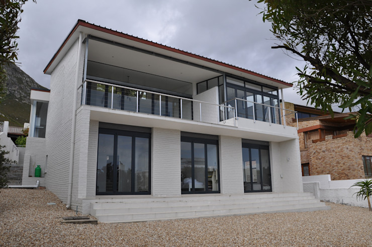 HOLIDAY HOME CONVERSION Gallagher Lourens Architects Modern houses
