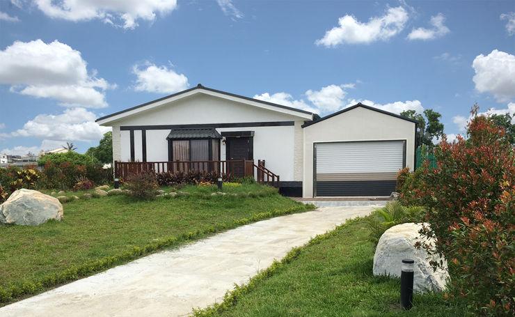 築地岩移動宅 Casas de estilo asiático