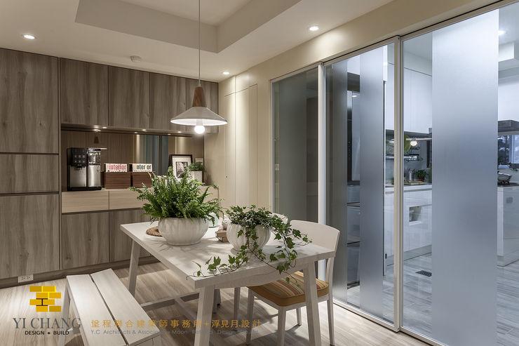 餐廚區 垼程建築師事務所/浮見月設計工程有限公司 Rustic style dining room