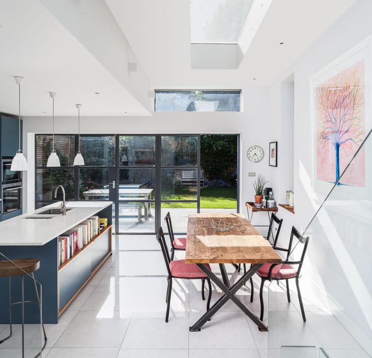 Slot House, London W12 AU Architects Comedores de estilo moderno