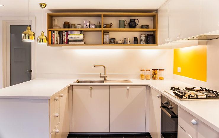Kitchen A2studio Cocinas de estilo moderno Blanco