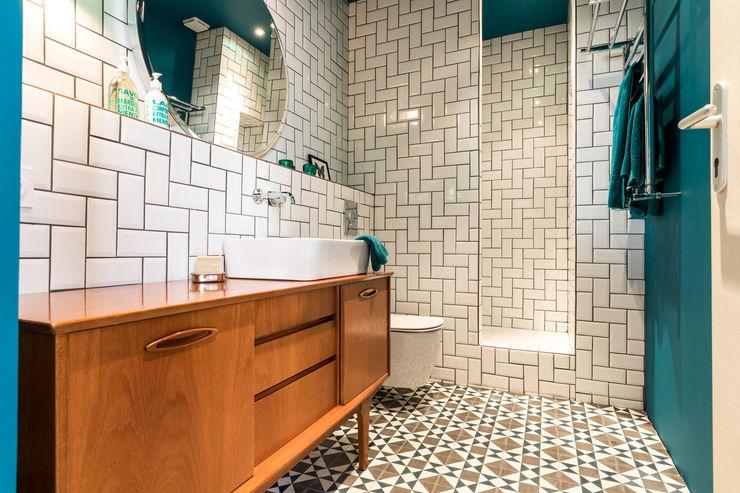 Insides Scandinavian style bathroom White