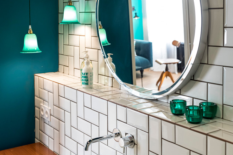 Insides Eclectic style bathroom White