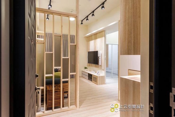 小資最愛 20坪溫馨北歐宅 上云空間設計 斯堪的納維亞風格的走廊,走廊和樓梯