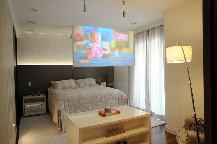 Camila Giongo Arquitetas Associadas - Decoração de Interiores ME Modern Yatak Odası Cam Bej