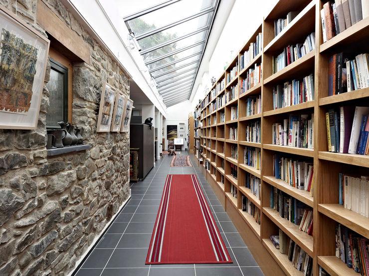 Fronhaul Baart Harries Newall Modern corridor, hallway & stairs