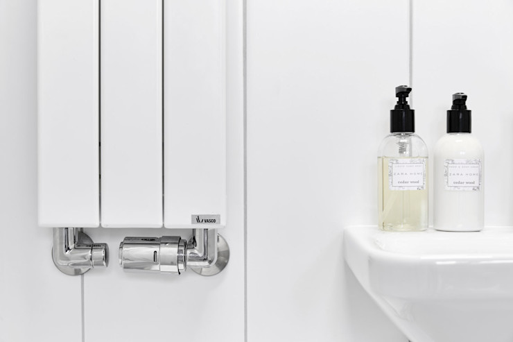 BLACKHAUS Scandinavian style bathroom Tiles White