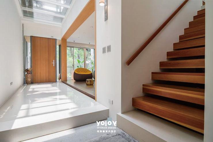 有容藝室內裝修設計有限公司 Corredores, halls e escadas escandinavos