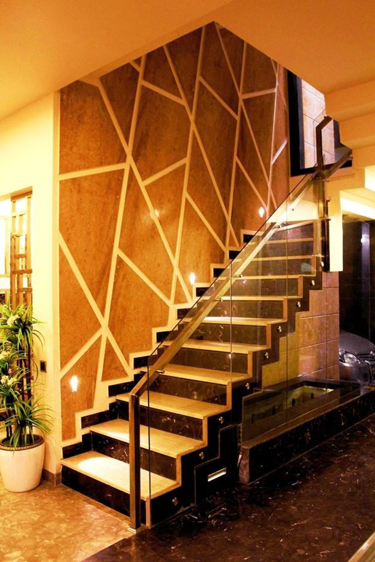 RESIDENCE : AMRITSAR TULI ARCHITECTS AND ENGINEERS Modern Corridor, Hallway and Staircase Stone Amber/Gold