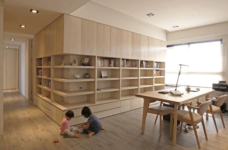 直譯空間設計有限公司 Modern walls & floors Wood effect