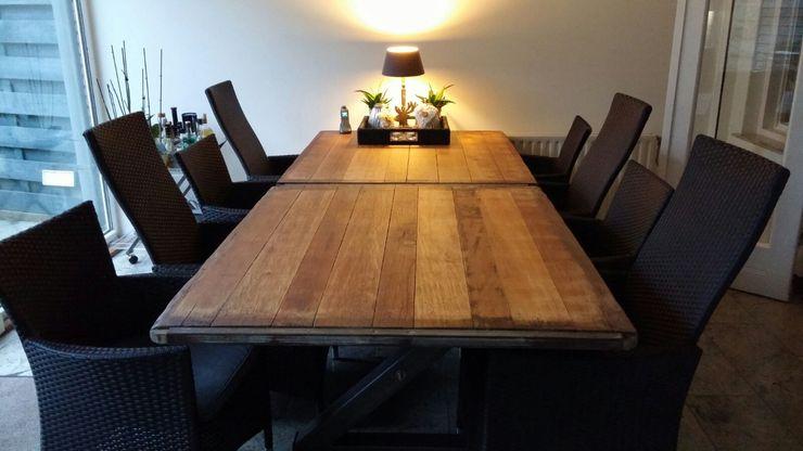WE-Maatdesign Living roomSide tables & trays خشب Wood effect