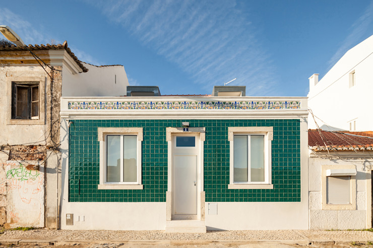 Colectivo Cais Minimalist house