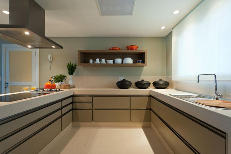 Renata Basques Arquitetura e Design de Interiores Modern Kitchen