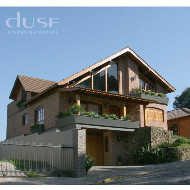 Residencia Unifamiliar duse arquitetura.engenharia Casas rústicas Pedra