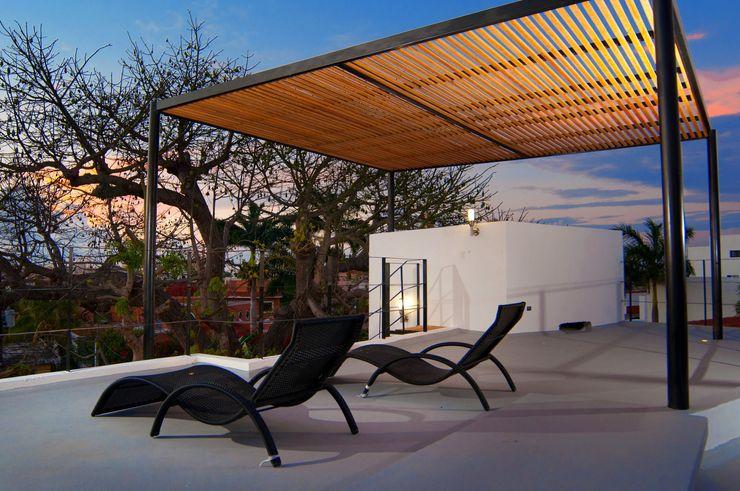 ROOF TOP FRACTAL CORP Arquitectura Balcones y terrazas modernos