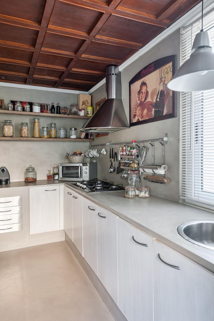 Appartamento privato a Brescia Resin srl Cucina moderna