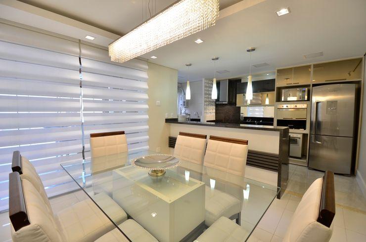 Graça Brenner Arquitetura e Interiores Cocinas de estilo moderno Tablero DM Acabado en madera