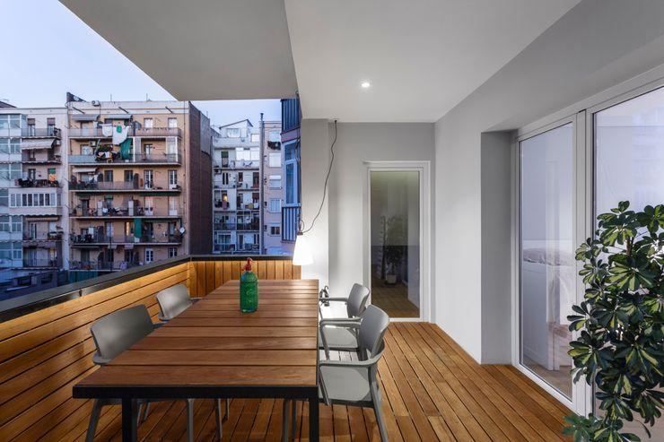 PAULO MARTINS ARQ&DESIGN Balcones y terrazas escandinavas
