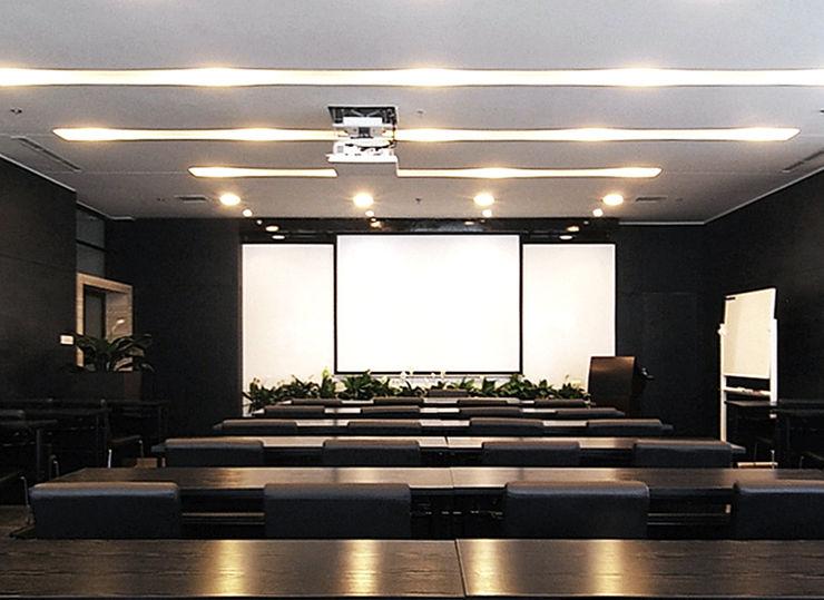 直譯空間設計有限公司 Conference Centres Black