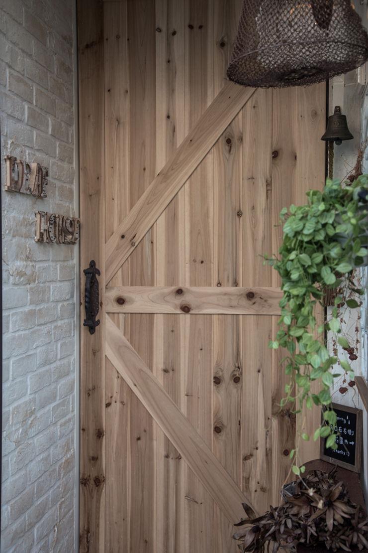 直譯空間設計有限公司 Country style offices & stores Wood effect