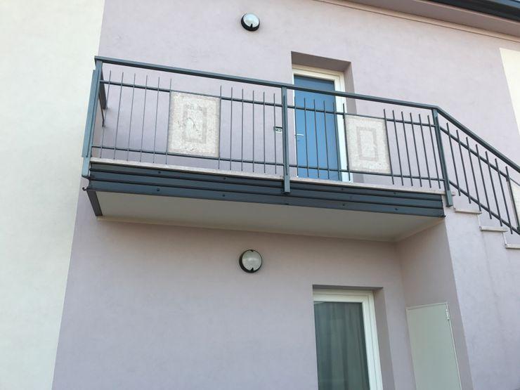 Quintarelli Pietre e Marmi Srl Балкони, веранди & тераси Аксесуари та прикраси Камінь Рожевий