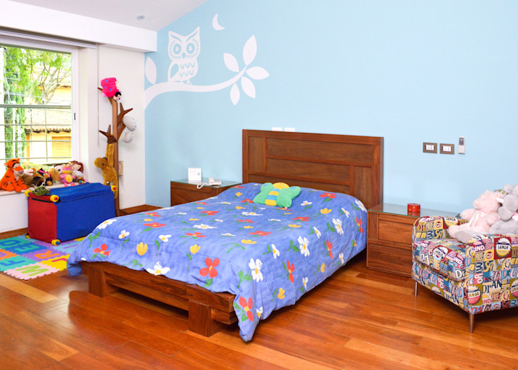 Remodelación Casa-Habitación 850m2 GHT EcoArquitectos Dormitorios infantiles modernos Madera