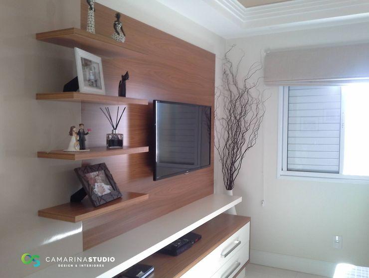 Camarina Studio Modern living room