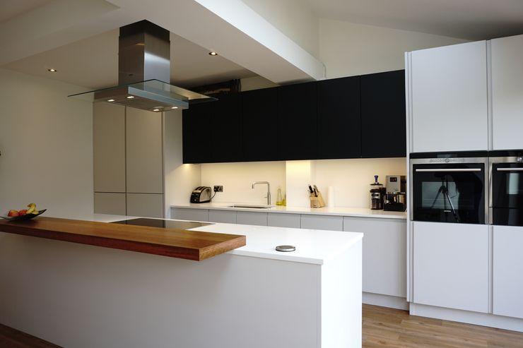 Kitchen Morley Grove Kitchens KitchenCabinets & shelves