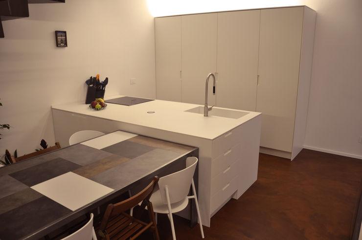 cucina chiusa cARTE di Andrea Giannozzi Cucina moderna
