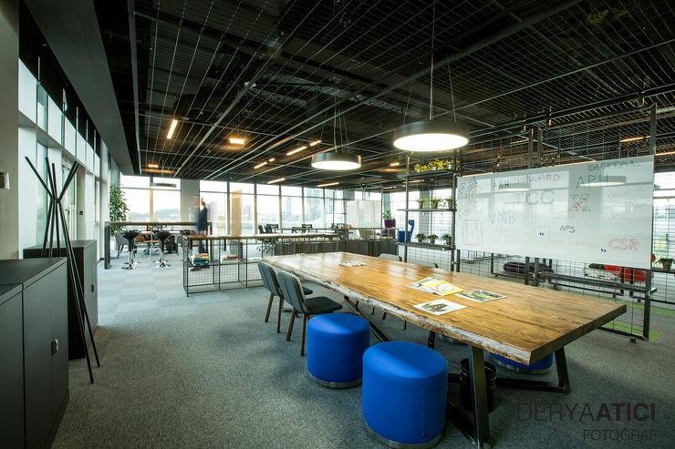 Ofis _AVIVASA GENEL MÜDÜRLÜK_ Dijital Garaj DERYAATICI FOTOĞRAF Ofis Alanları & Mağazalar Cam Gri
