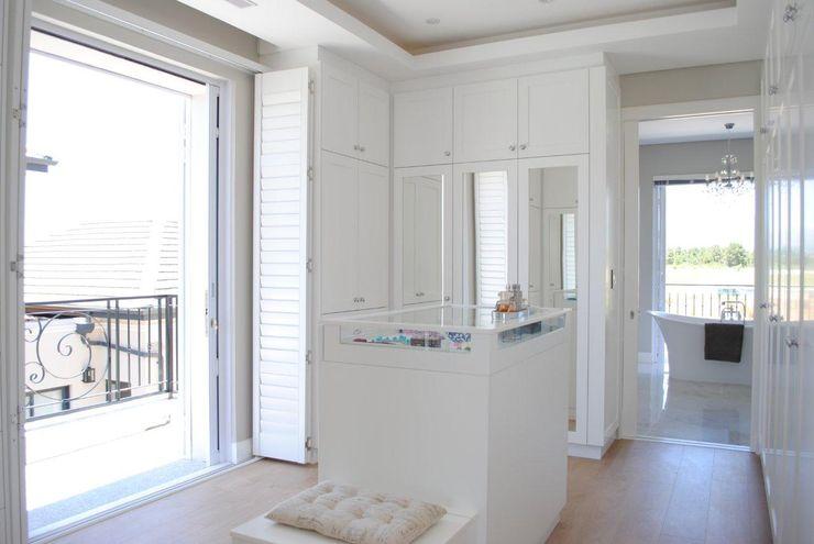 Salomé Knijnenburg Interiors Phòng thay đồ phong cách kinh điển White