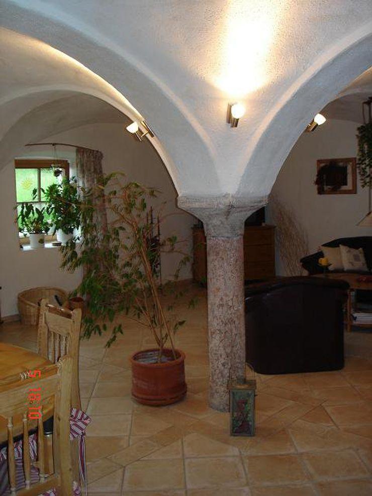 CASA Santa Barbara Kolonialny salon Cegły