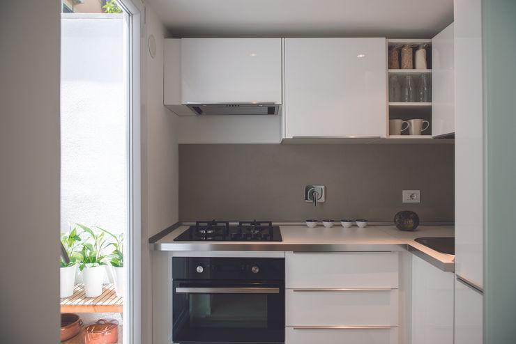 STUDIO ACRIVOULIS Architettra + Interior Design Cozinhas modernas