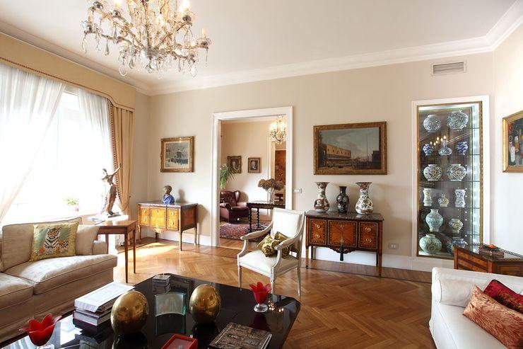 La casa classica Architetto De Grandi Soggiorno classico