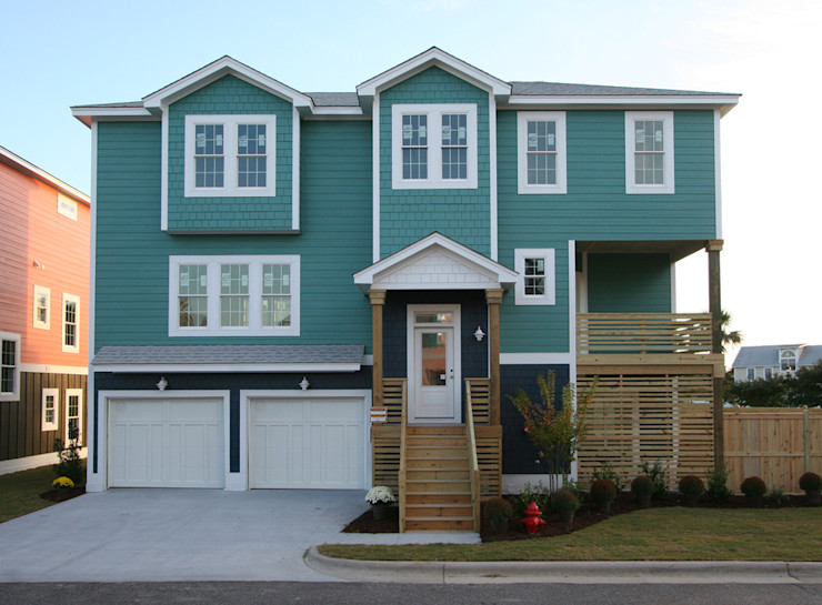 Collins Model Home facade seen from the Street Outer Banks Renovation & Construction Modern houses