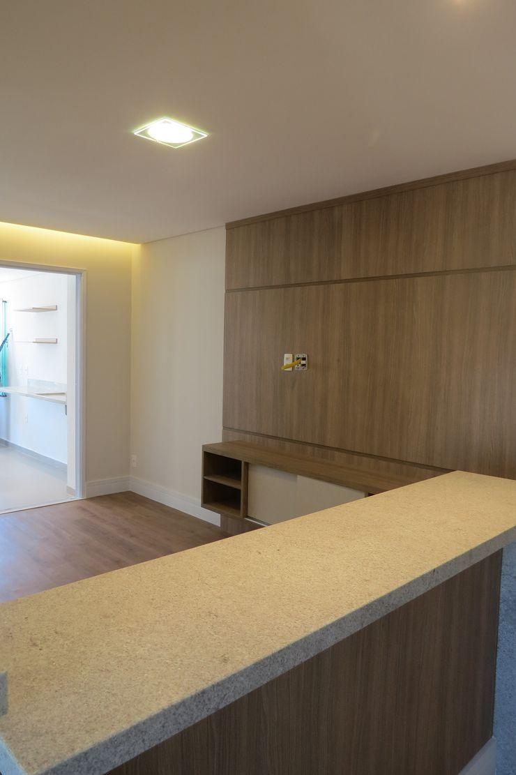 Sala / Cozinha In.home Salas de estar modernas MDF Castanho