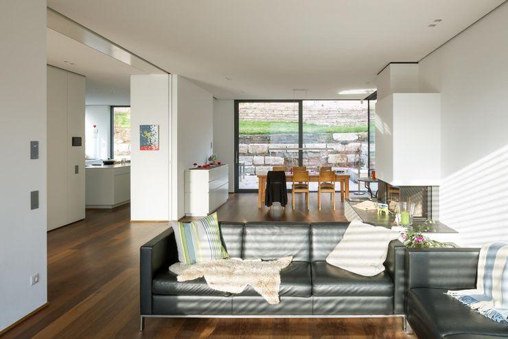tillschweizer.co Modern living room