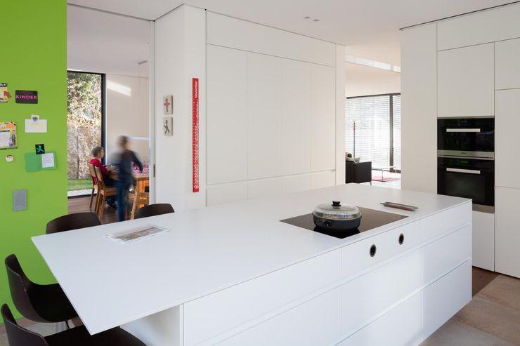 tillschweizer.co Modern kitchen