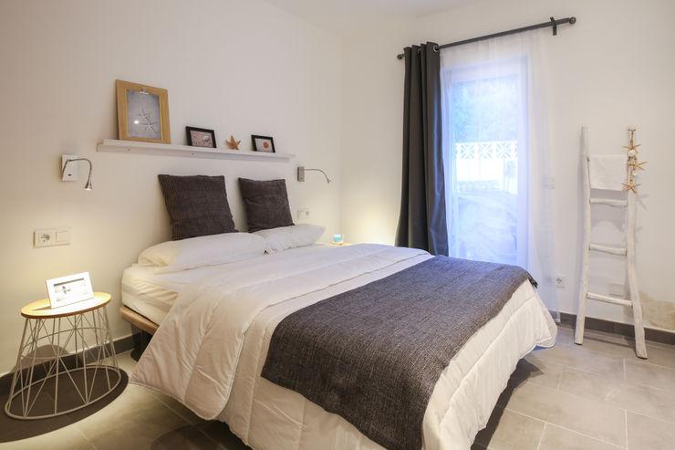 DIKA estudio Mediterranean style bedroom