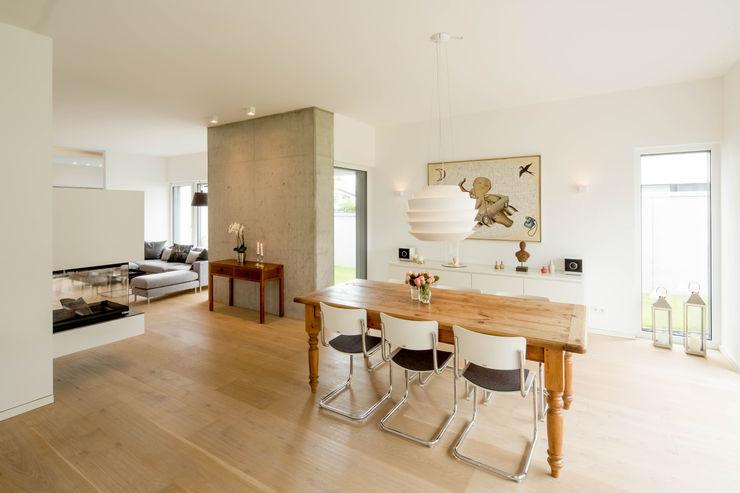 Ferreira | Verfürth Architekten Comedores de estilo moderno