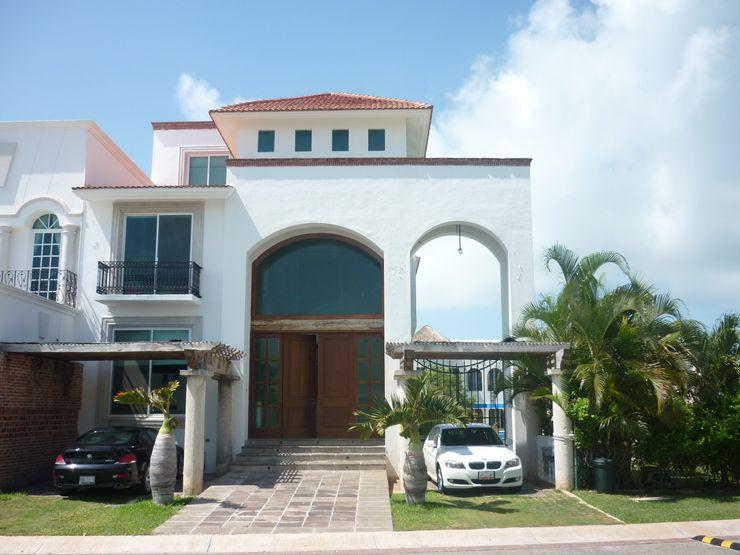 CASA JUNTO A CANAL DE NAVEGACION SG Huerta Arquitecto Cancun Casas clásicas Caliza Blanco