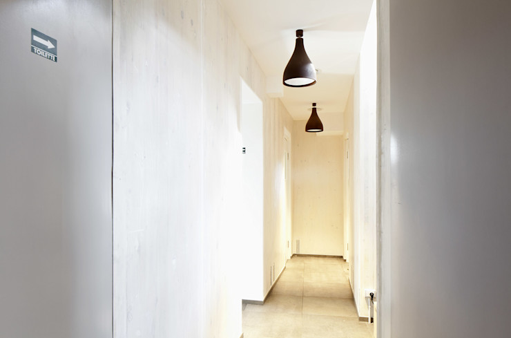 NOS Design Ingresso, Corridoio & Scale in stile moderno