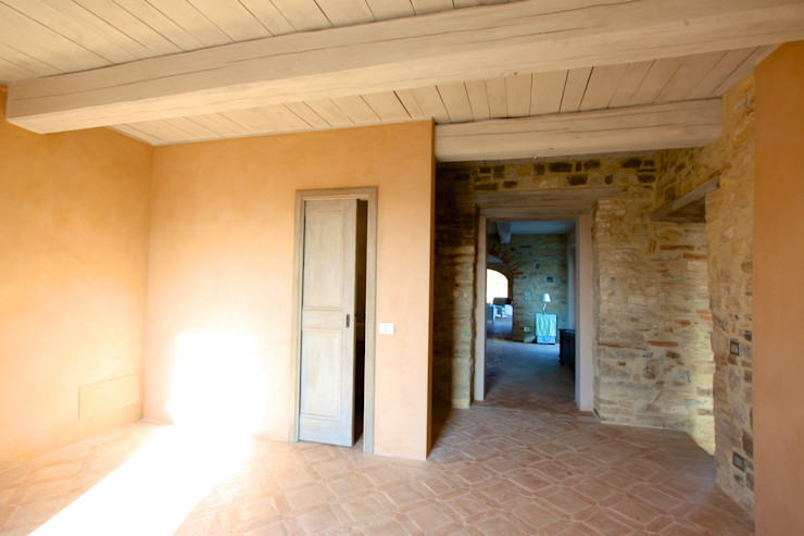 marco carlini architetto Country style corridor, hallway& stairs