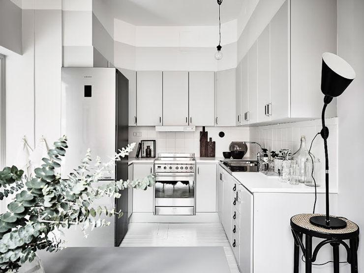 50 sfumature di bianco: Arredare total white Design for Love Cucina in stile scandinavo Bianco