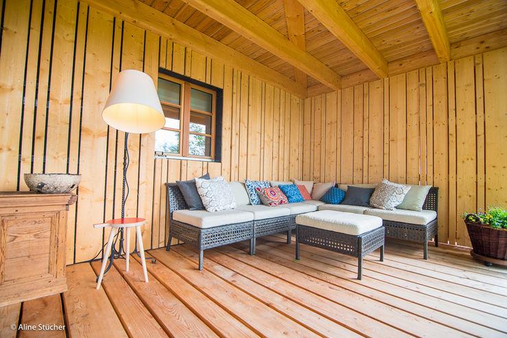 w. raum Architektur + Innenarchitektur Balcones y terrazas rurales