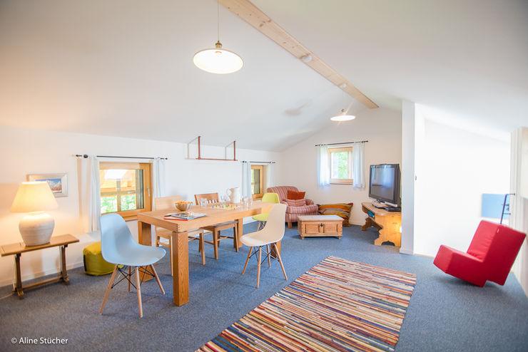 w. raum Architektur + Innenarchitektur Dormitorios infantiles de estilo rural