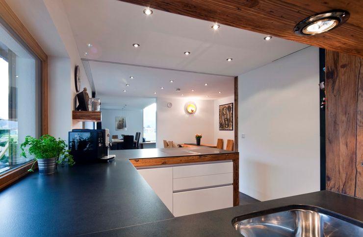w. raum Architektur + Innenarchitektur Eclectic style kitchen