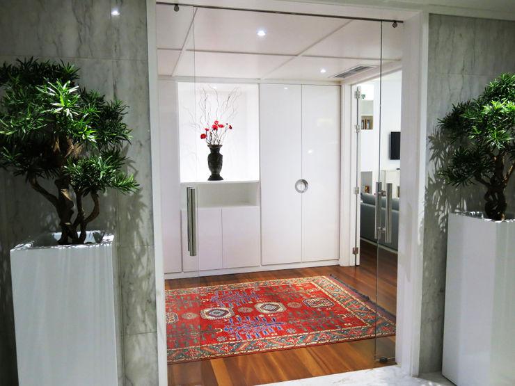 FEMMA Interior Design Hành lang, sảnh & cầu thang phong cách hiện đại
