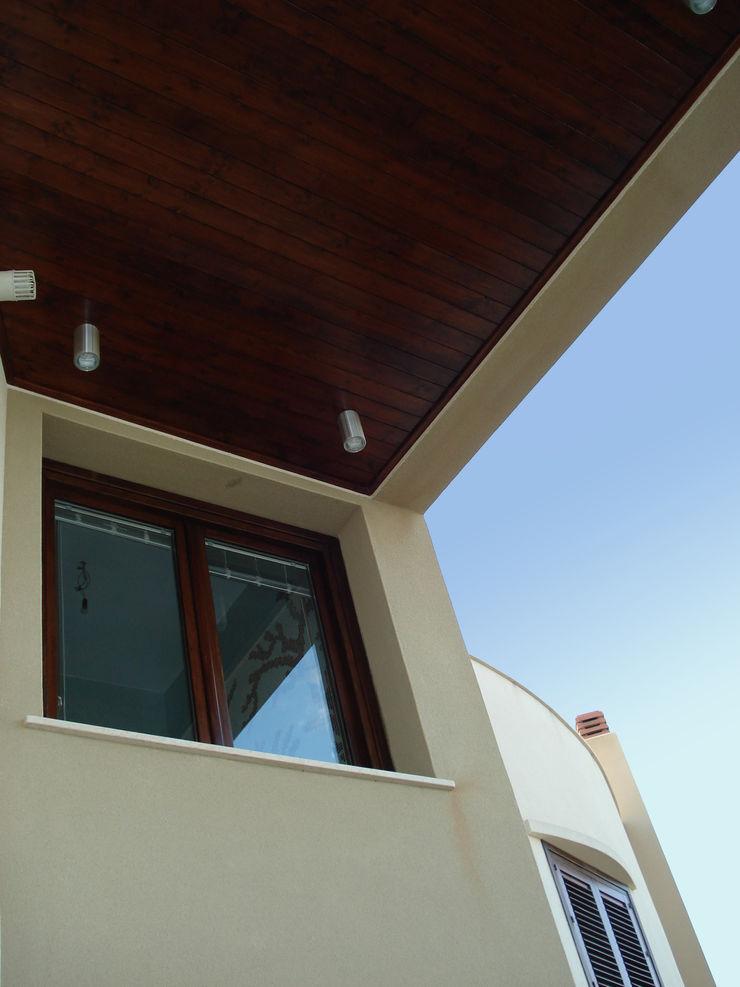 overkapping op het terras MEF Architect Mediterrane balkons, veranda's en terrassen Hout Beige