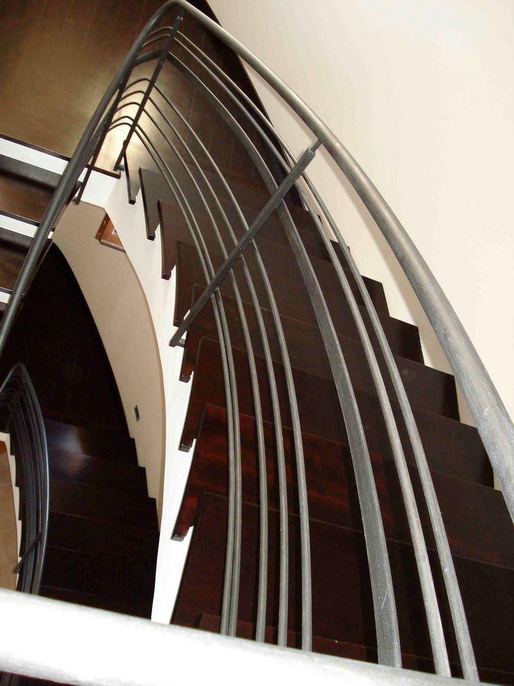 trap MEF Architect Gang, hal & trappenhuisTrappen Hout Bruin